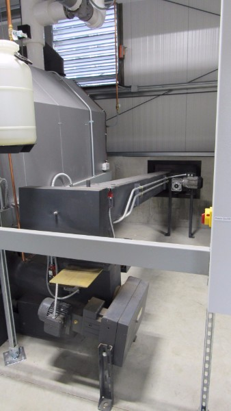 Viessmann-dry-wood-chip-feed-auger-Whe3_0843